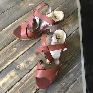 Seychelles Brown Hoot Sandals Size 10